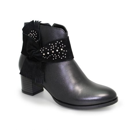 Lunar Maine Black Leather Ankle Boots