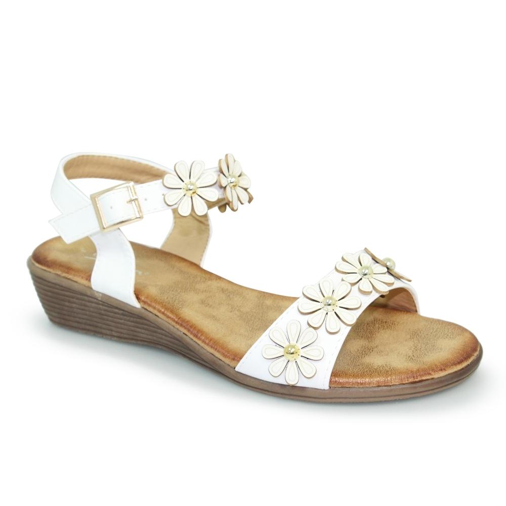 46456a61c976 Lunar Agnes White Floral Sandals - Brooks Shops