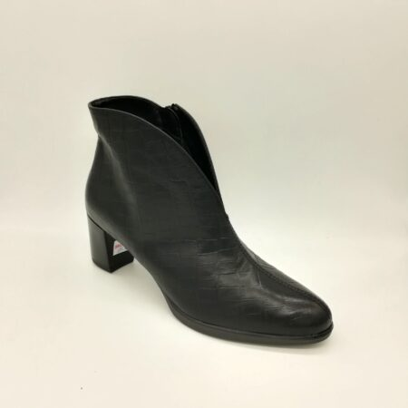 Ara Orly Black Leather Ankle Boots